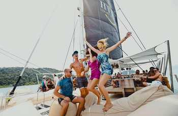 Video VIP catamarans in Phuket photo №2