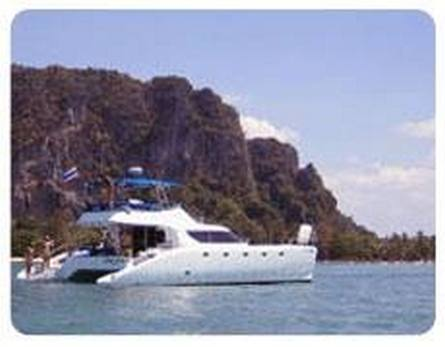 Catamaran for diving and/or an outing, 8 berths, 14 m